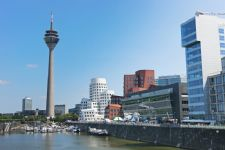 Dusseldorf Video conferencing rooms • Cheap Video conferencing rooms to book by the hour, day week or month in Dusseldorf, Germany.